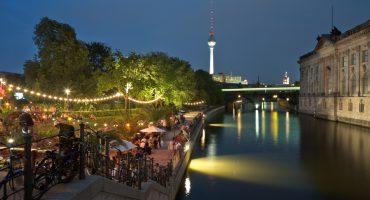 De bästa barerna att hänga på i Berlin