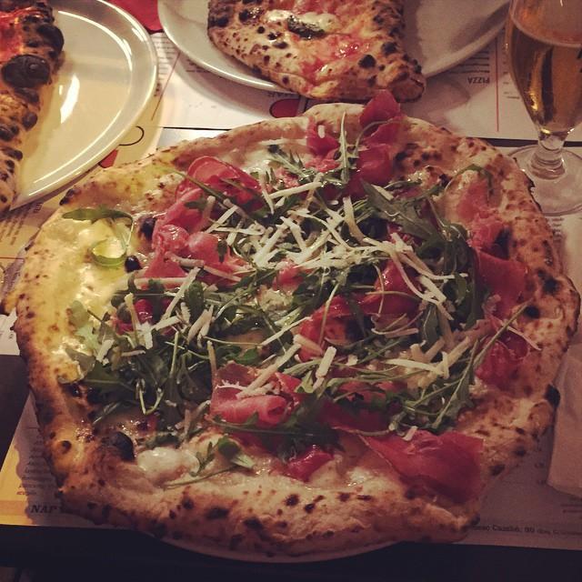 I Barceloneta hittar du kanske Spaniens godaste pizza. NAP heter stället
