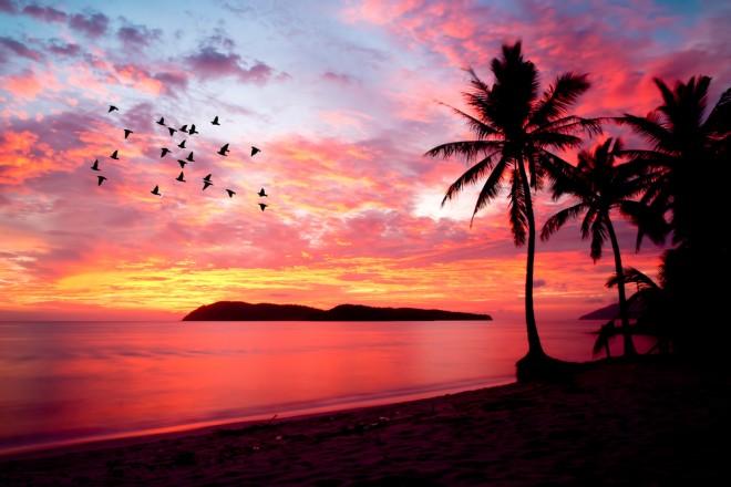 Solnedgång över en strand på Langkawi