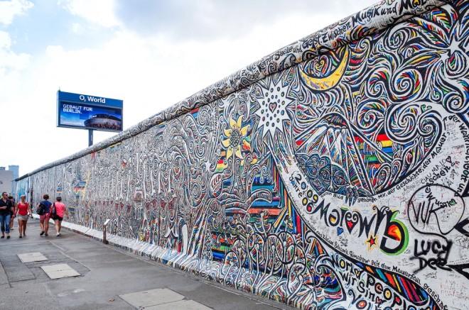 En fusion av gammalt och nytt är Berlinmuren ett bra exempel på